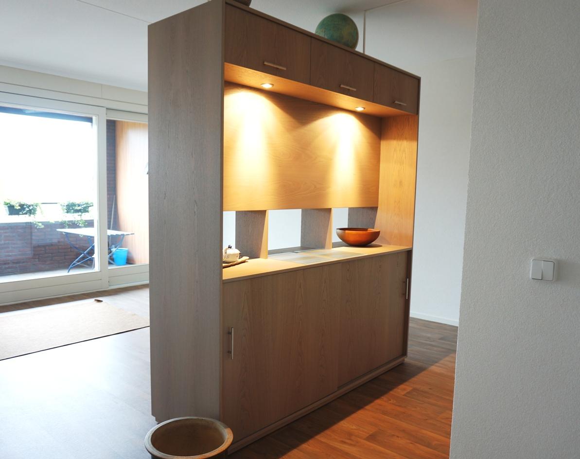 Mooie eiken grijs authentiek kast ook geschikt als - Keuken en woonkamer in dezelfde kamer ...