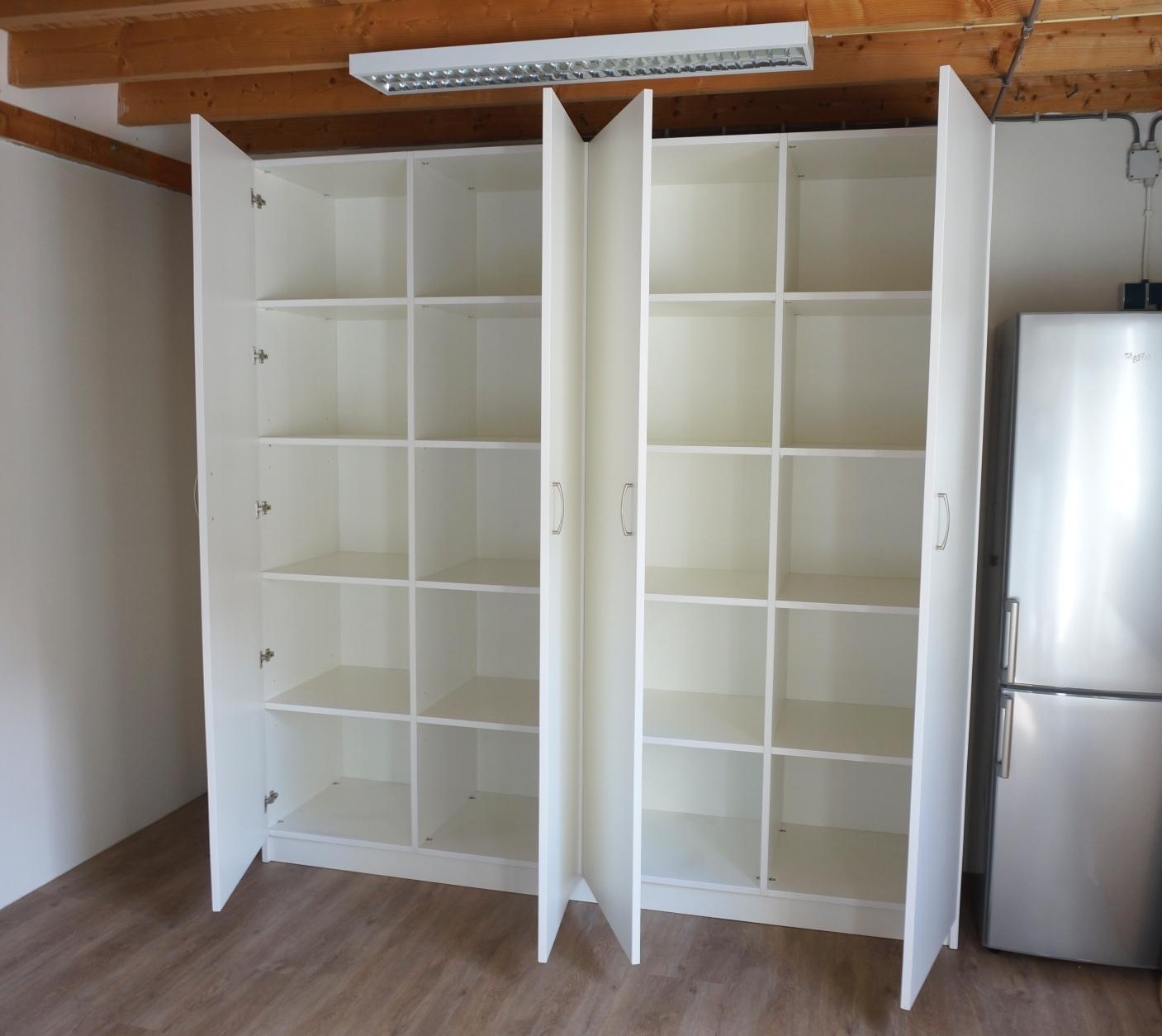 Voorraadkast in de bijkeuken   HvS Design   Maatwerk meubelen speciaal voor u!