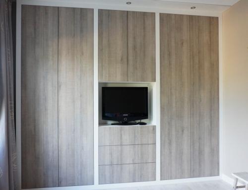 Schuifdeurkast met veel binnenruimte hvs design maatwerk meubelen speciaal voor u - Moderne kledingkast ...