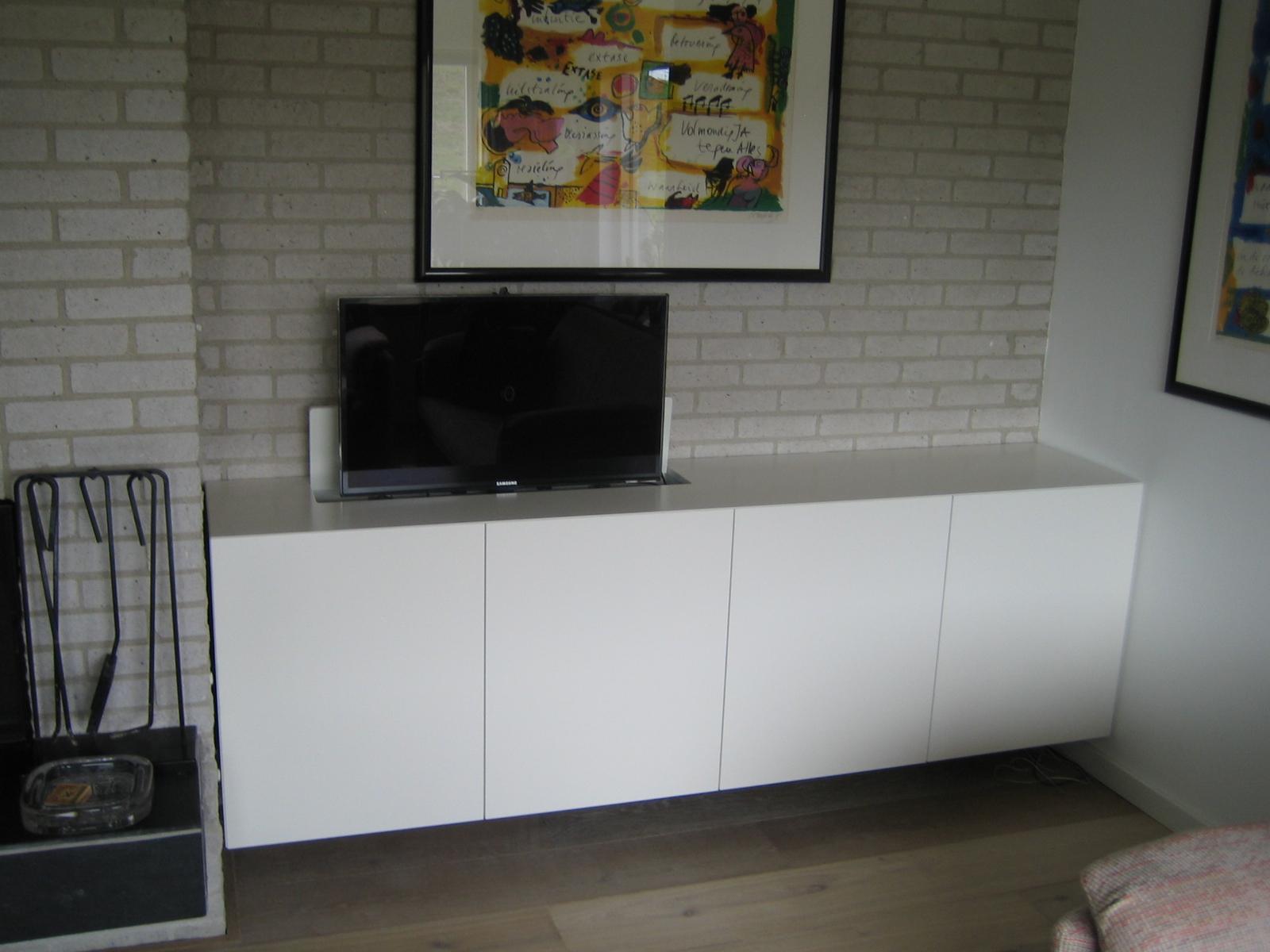 Dressoir Met Tv Lift.Hangend Dressoir Met Tv Lift Hvs Design Maatwerk Meubelen