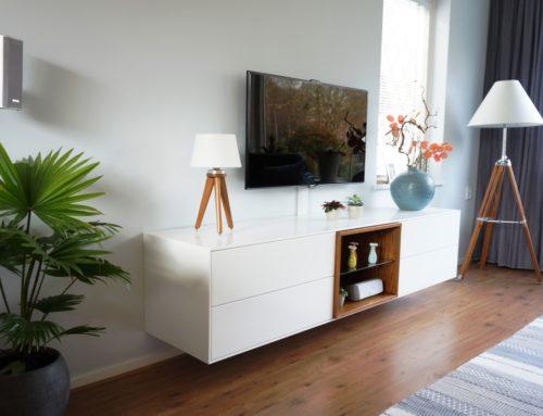 Tv/audiomeubel, met eiken vak en ledverlichting