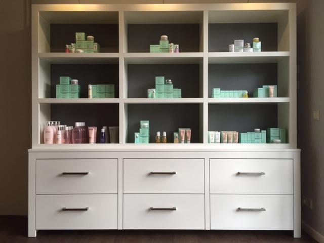 Design Kast Maatwerk : Show kast voor beautysalon hvs design maatwerk meubelen